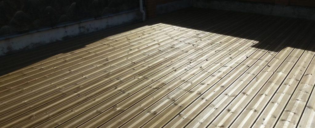 Photo de rénovation de terrasse en ois à Lille